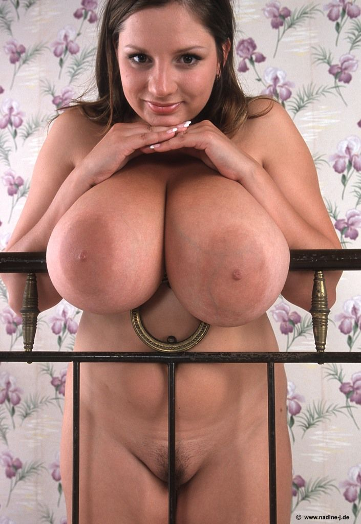 brunette girls with big tits