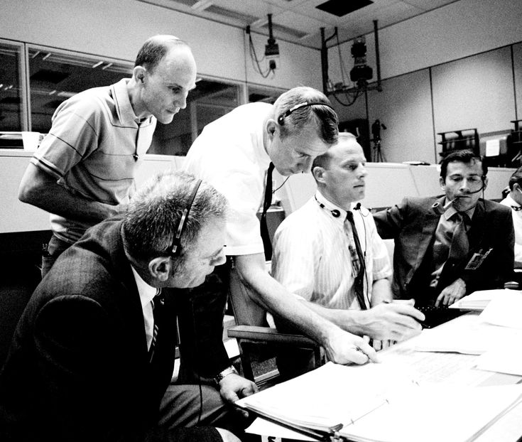 Astronauts monitor Apollo 13