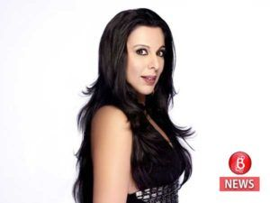 Pooja Bedi bashes a fashion portal for zooming in on her breasts