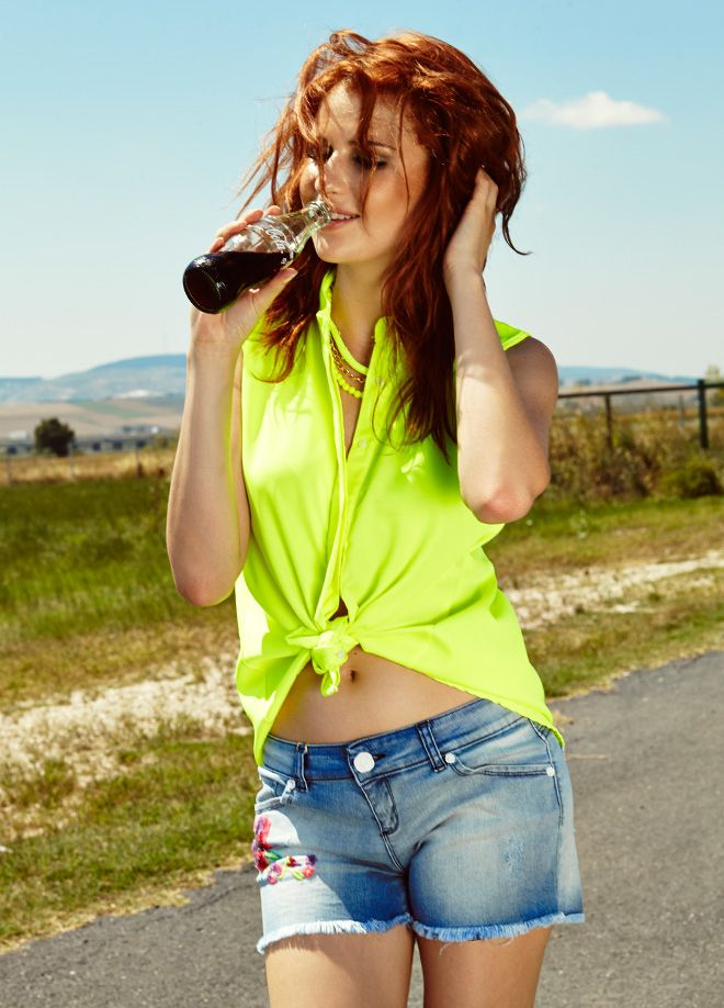 Rock'n Coke ile Festival Modası Şort Markafoni'de 79,99 TL yerine 39,99 TL! Satın almak için: http://www.markafoni.com/product/4371887/