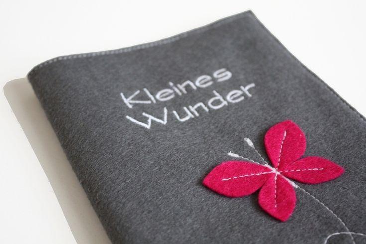 Mutterpass-Hülle+Schmetterling+Pink+Kleines+Wunder+von+AKD+-+Sorglos+auf+DaWanda.com