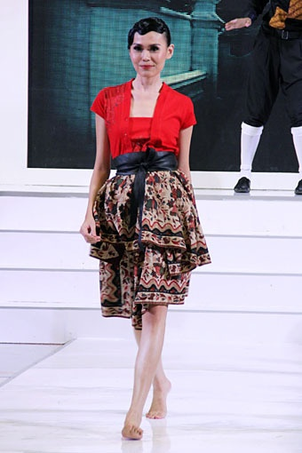 "Iwet Ramadhan ""TikShirt"" Gazia Glitz & Glam, Jakarta Fashion Week 2013, at Plaza Senayan, Jakarta"
