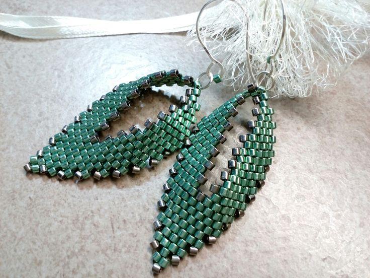 #295 Σκουλαρίκια με χάντρες φύλλο /russian leaf seed bead earrings