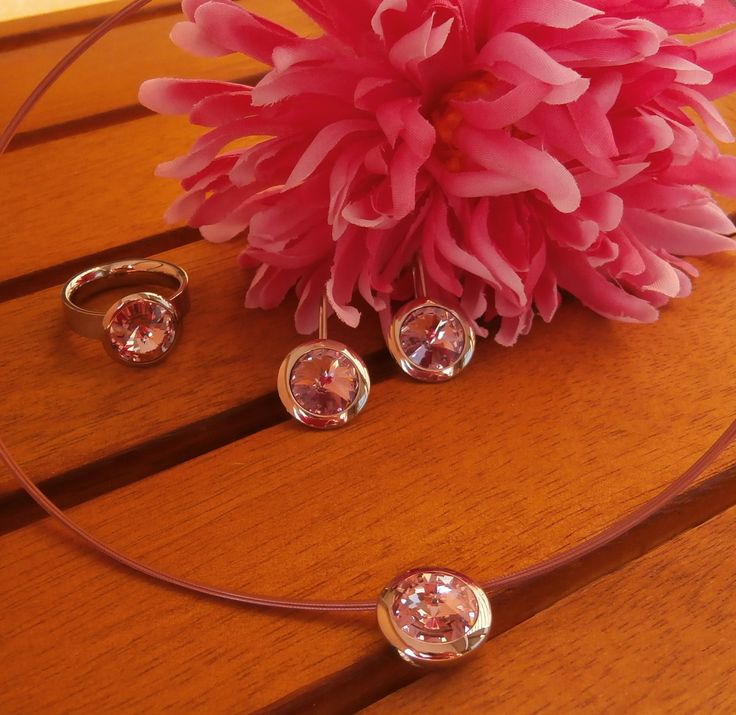 Set of rings, earrings and pendant of stainless steel and swarovski® crystal pink