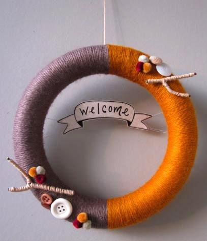 Fall #Yarn Wreath - love this!Holiday, Yarns Crafts, Christmas Colors, Front Doors, Fall Wreaths, Wreaths Ideas, Autumn Wreaths, Diy, Yarns Wreaths
