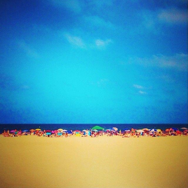 #Blue #Umbrella #Summer #Color #Instacolor #Mediterranean #AunionCreatividad #Aunion #Sea #Malvarosa #Trip #Viaje #Spain #Me #Picsplay #Sun #Calor #Sand #Valencia #Beach #Line ©www.aunioncreatividad.com