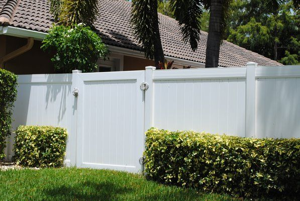 Miami 6ft High Vinyl Pvc Fence Residential Fence Decking Fence Wood Plastic Composite