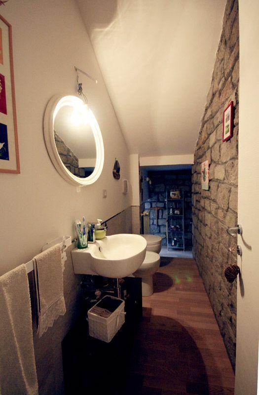 Oltre 25 fantastiche idee su bagno sottoscala su pinterest rampa di scale dello scantinato - Bagno piccolissimo in camera ...