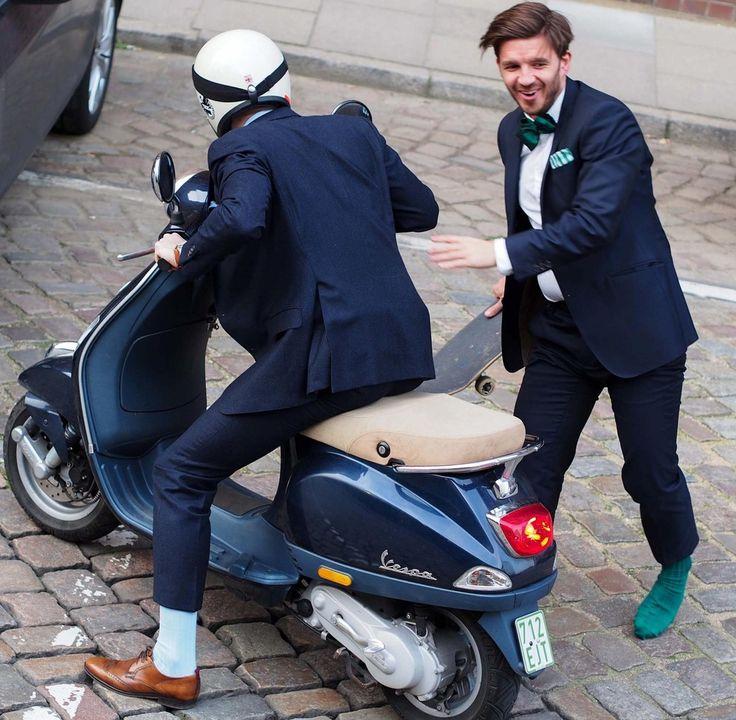 Gents on skateboards and scooters  #noshoesnoproblem #GAstyles #GAontour #gentlemansagreement_official #gentsonskateboards #vespa #dapperstyle #essentials #menstyle #details #dappergentleman #gentlemanstyle #hamburg #menwithstyle #menfashion #suits #handcraftedinhamburg