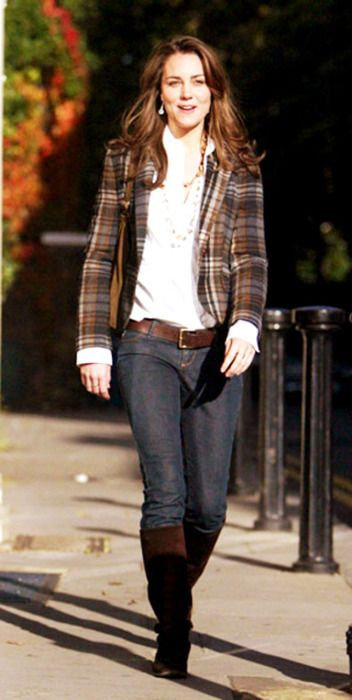 Duchess Catherine in Zara plaid blazer, brown boots, and jeans, October 2006