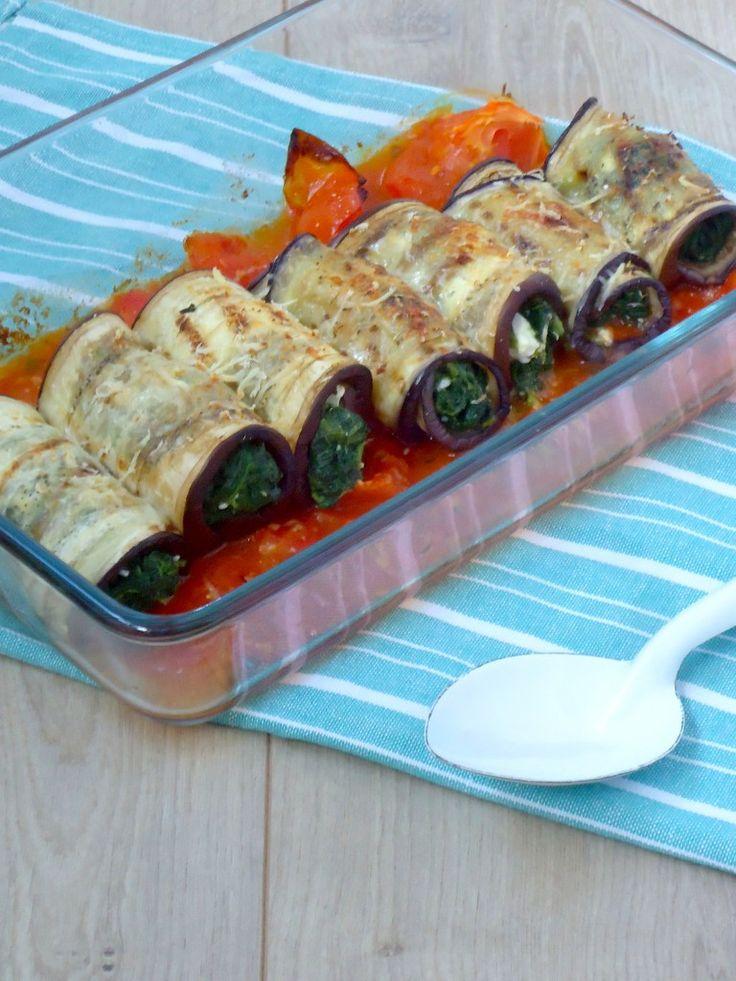 Lekker hapje voor bij de borrel en ook nog gezond ook, aubergine rolletjes met spinazie en fetakaas.