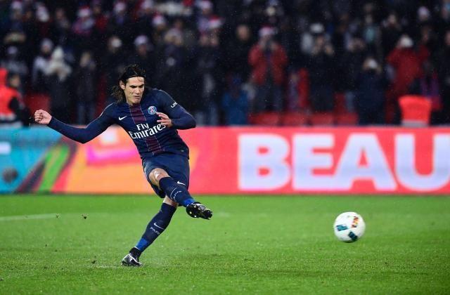 #rumors  Manchester United FC transfer news: Edinson Cavani speculation quashed by Paris Saint-Germain president