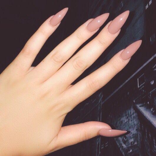 Fantastiche unghie a punta nude!!