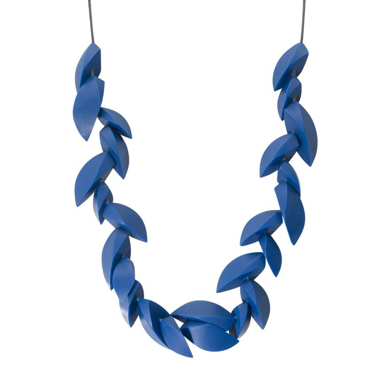 Buy the Emika 3D Curved Forms Necklace at Oliver Bonas. Enjoy free worldwide standard delivery for orders over £50.