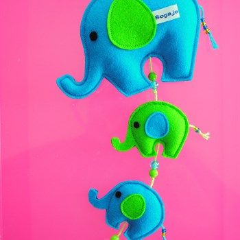 Hanger olifantjes van vilt aqua-lime - Made by Bogaja Design