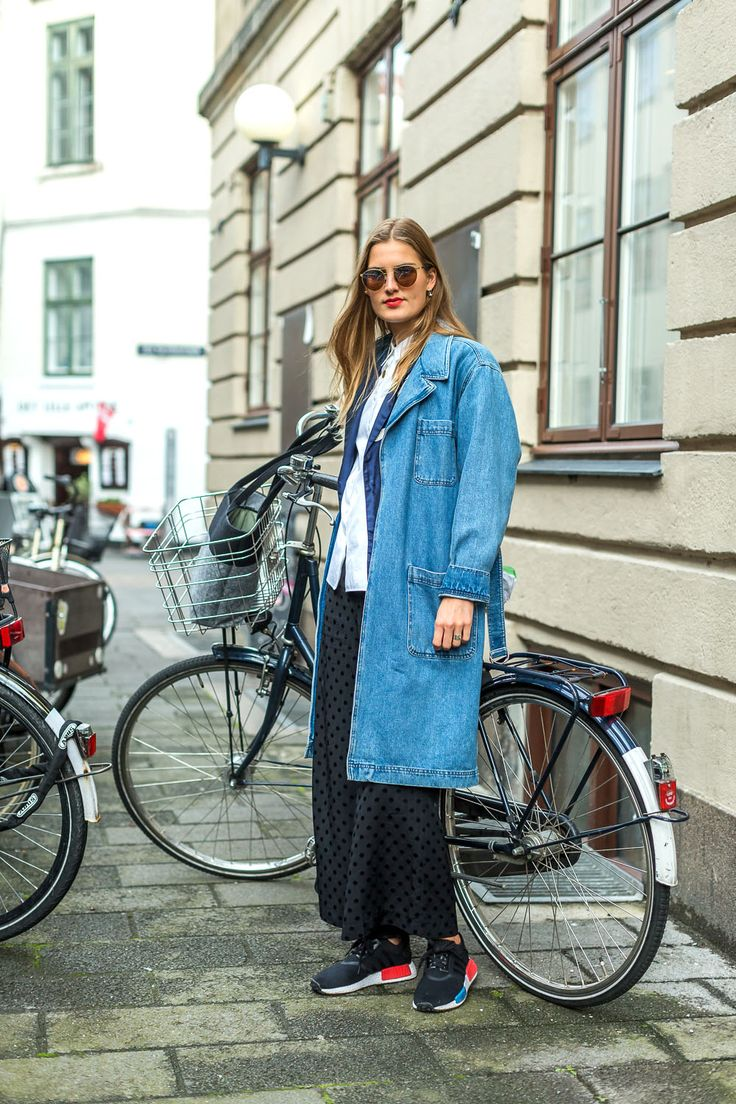 denim trench layered with shirt & jacket paired back with slouchy track pants and sneakers. Saved by Gabby Fincham. Street Style from Copenhagen