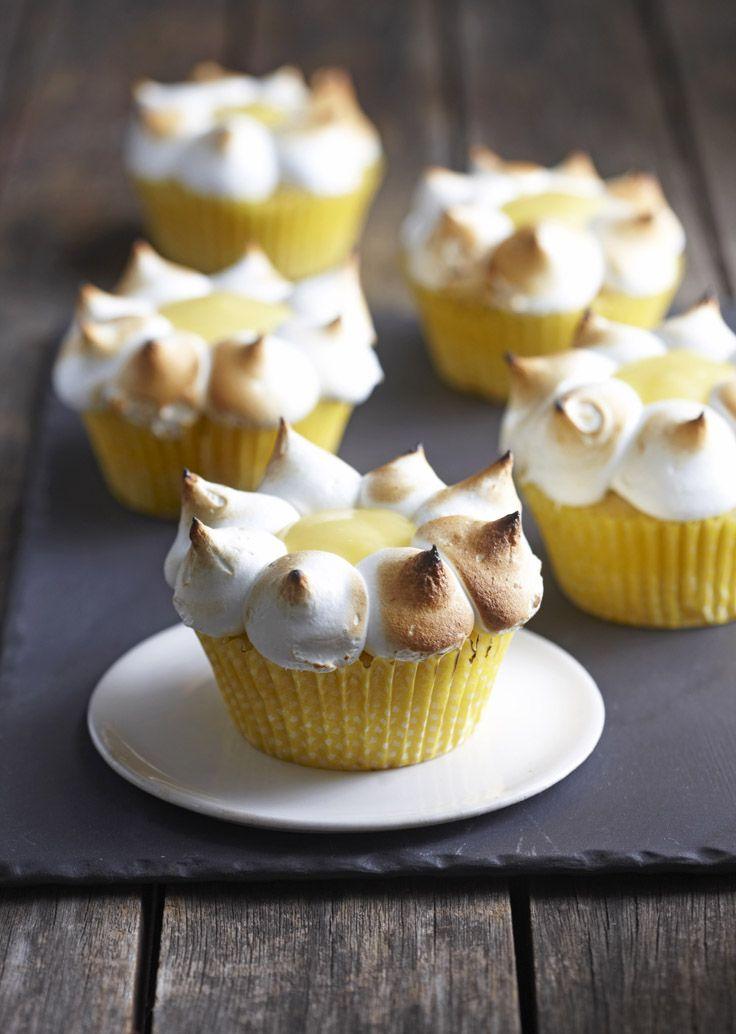 Lindt - the art of making a #cupcake #lindt #lindtstudio #lindtchocolate