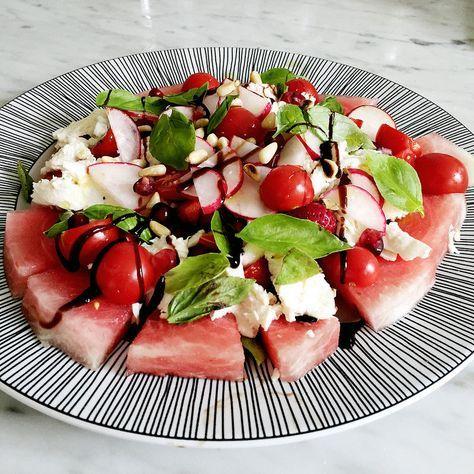 mozzarellasallad med vattenmelon och jordgubbar. - Sandra Beijer - Metro Mode