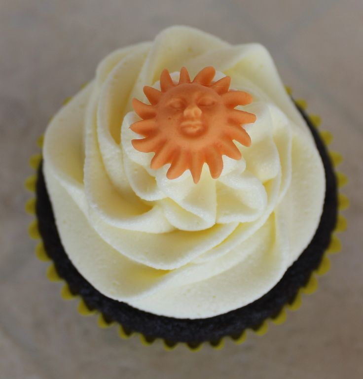Orange sun cupcake