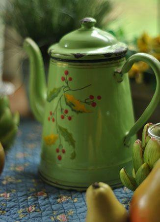 Apple Green French-Enamel-Coffee Pot