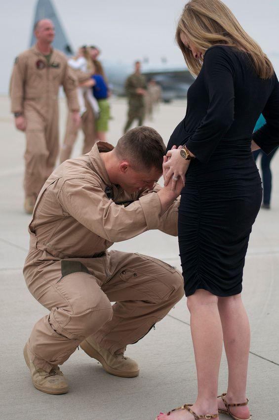 military homecoming, deployment, Marine Corps, maternity, C-130, patriotic