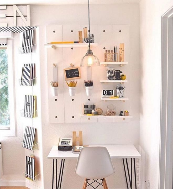 20 Inspiring Home Office Design Ideas For Small Spaces: 25+ Best Ideas About Small Office Design On Pinterest