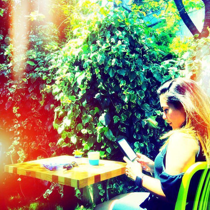 Bahçenin tadini cikarmak // enjoying the garden