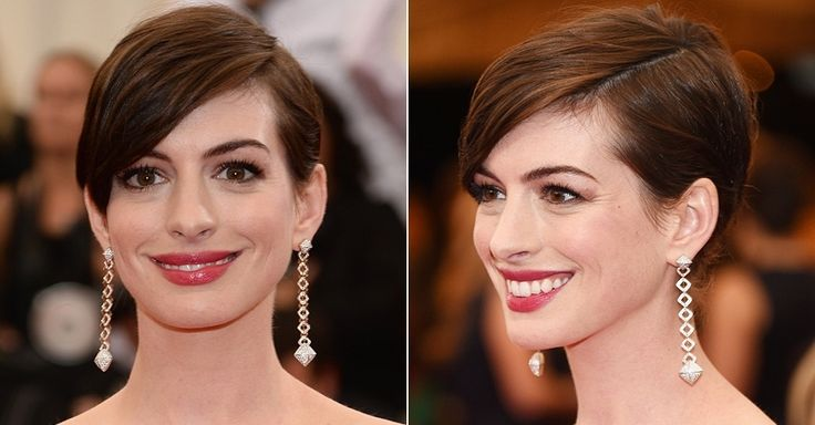 A atriz Anne Hathaway exibe os cabelos curtos com franja lateral mais comprida durante festa de gala no Museu Metropolitano de Arte, em Nova York (EUA)