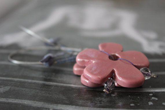 Earrings/Pink earrings/Dangles/Daisy by Ninodesigns on Etsy