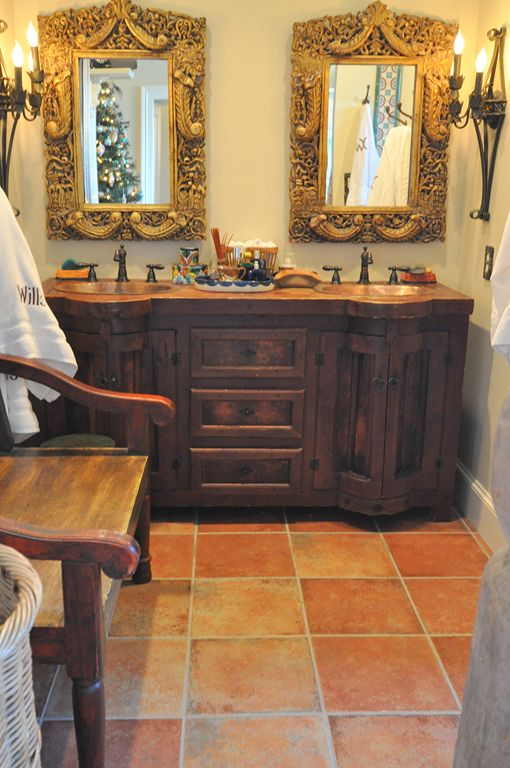 Oh give me this home.....talavera tray, Saltillo, gilt mirrors: romantic rustic!