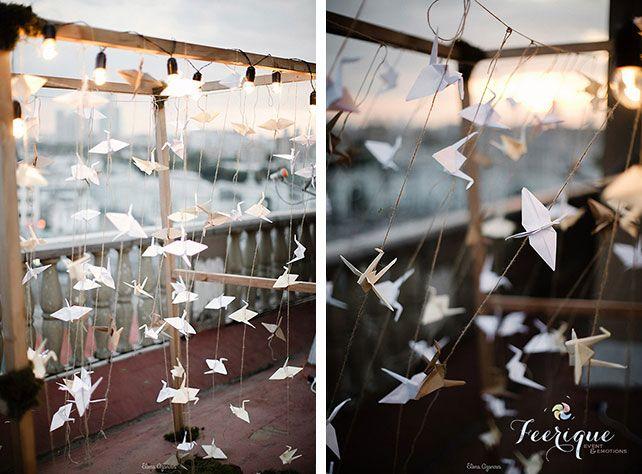 Свадьба для двоих на крыше, декор арки, гирлянды, бумажные журавлики