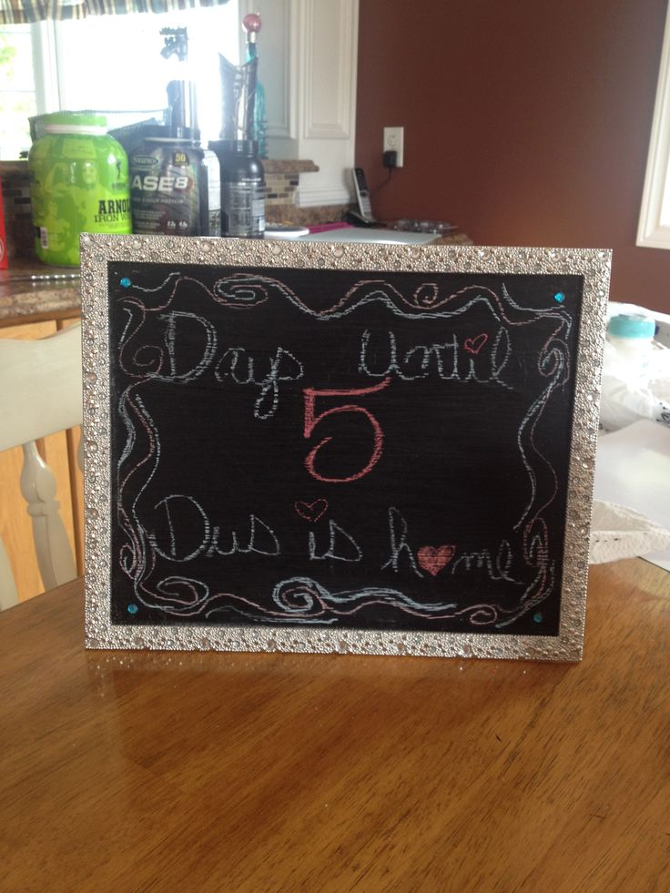Photo frame turned into a chalkboard. #DIY #chalkboard #chalkboardpaint #photoframe #countdown