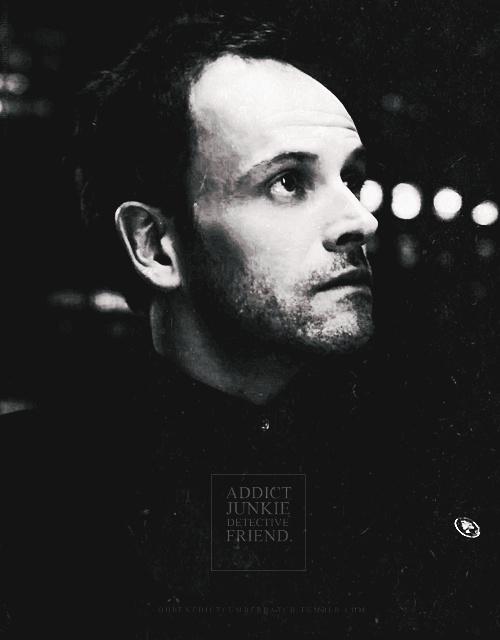 """Sherlock Holmes (Jonny Lee Miller), """"Elementary"""""""
