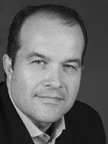Docteur en histoire de l'Université McGill, diplômé de l'Institut d'études politiques de Paris, Éric Bédard est professeur à la TÉLUQ, l'école supérieure de formation à distance de l'Université du Québec, depuis 2005. De 2003 à 2005, il a été professeur au département des sciences humaines de l'Université du Québec à Rimouski. Il est membre des conseils d'administration de l'Association internationale d'études québécoises, de l'Institut de recherche sur le Québec et des Fondations…