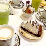 merienda con amigas en #bahiablanca  café con leche, jugos y esta tremenda #marquisse #aptaparaceliacos 😀 #sintacc #singluten #glutenfree #🍴❤️👯
