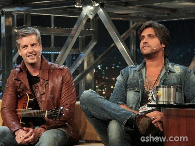 Resultado de imagem para Leo confirma pausa na parceria musical com o irmão Victor