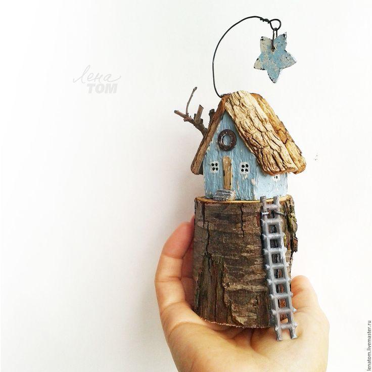 Купить Домик 'В сумерках' Миниатюра на пеньке (бронь) - миниатюрный домик, дрифтвуд, домик с лесенкой