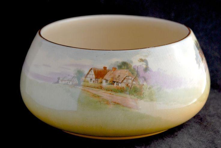 Vintage Royal Doulton ENGLISH COTTAGE D4987 Fruit Bowl