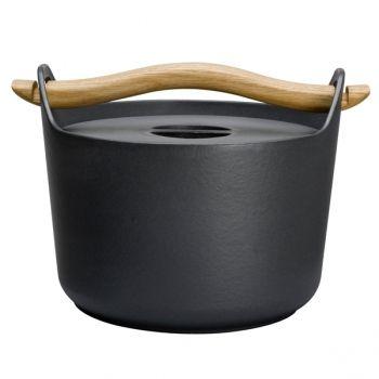 Iittala Sarpaneva, cast iron pot