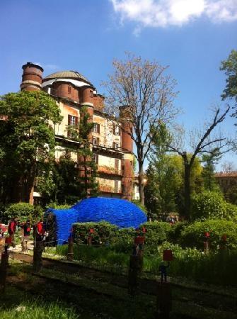 Orto Botanico di Brera   -   Via Brera 28, 20121 Milano, Italia- Il gardino ha fandato nel 1774 da Abbot Fulgenzio Vitman. Lo e rimanga indietro il Pinacoteca di Brera alle Via Brera 28 nel il centero di Milano.