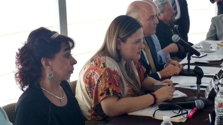 <p>Chihuahua, Chih.- Esta mañana la diputada María Antonieta Mendoza Mendoza hizo un exhorto al secretario de educación Pablo Cuarón