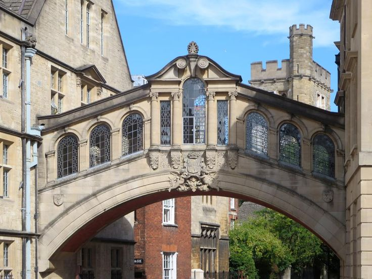 The iconic Bridge of Sighs at Oxford, England, was built in 1914 to link two parts of Hertford College.
