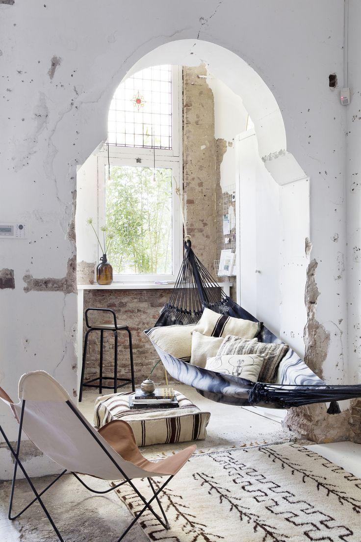 textiles + hammock, stylist Frans Uyterlinde | vtwonen, August 2014