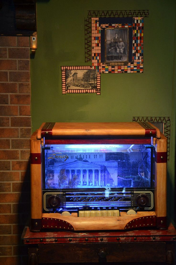 17 best images about antique aquariums on pinterest for The fish radio