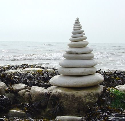 I absolutely love andy goldsworthy's work, he combines two of my favourite things- art and nature