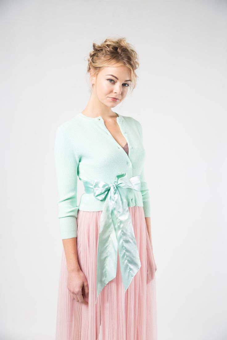 A must-have designer piece to add to your work or weekend wardrobe. Cute green cardigans for summer. Pretty cardigans to wear over dresses. Photography; Nicole Troost