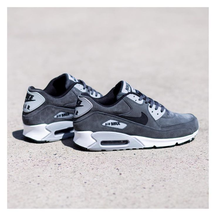 Nike Air Max 90 Leather: Anthracite/Black/Wolf Grey