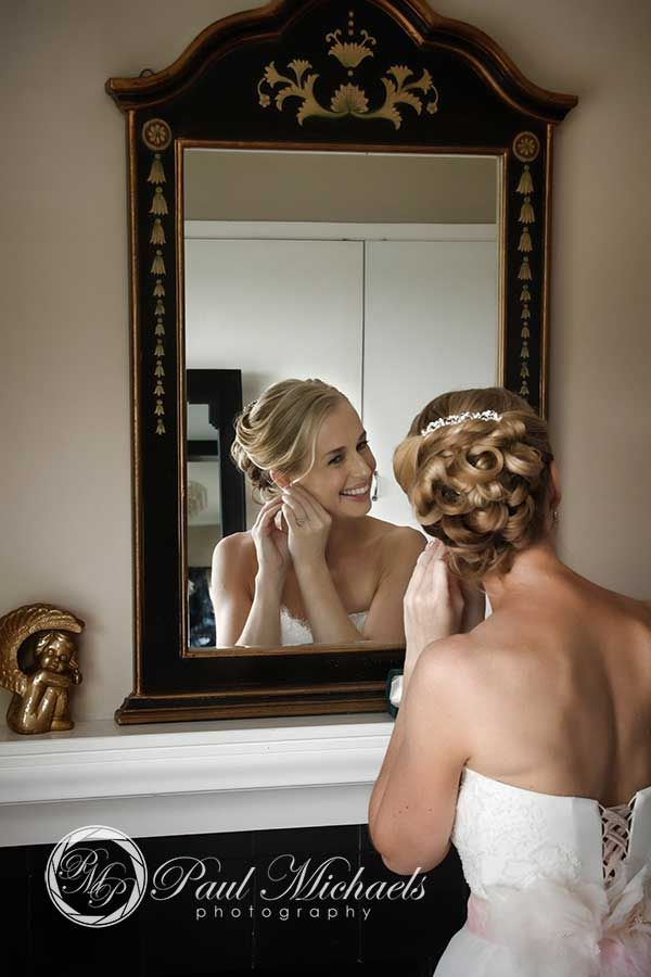 Getting ready at the Lodge. New Zealand #wedding #photography. PaulMichaels of Wellington www.paulmichaels.co.nz