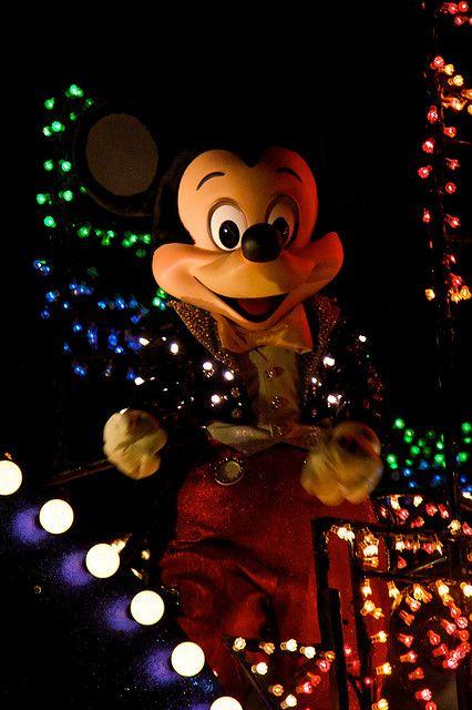 Disneyland Aug 2009 - Disney's Electrical Parade by PeterPanFan, via Flickr