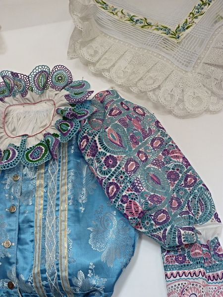 Woman's Slovak Folk Costume from Krakovany (collar, sleeve, bodice,scarf) / hand embroidery